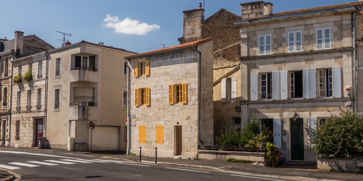 salaire logement nantes - Bâtiment typique de Nantes