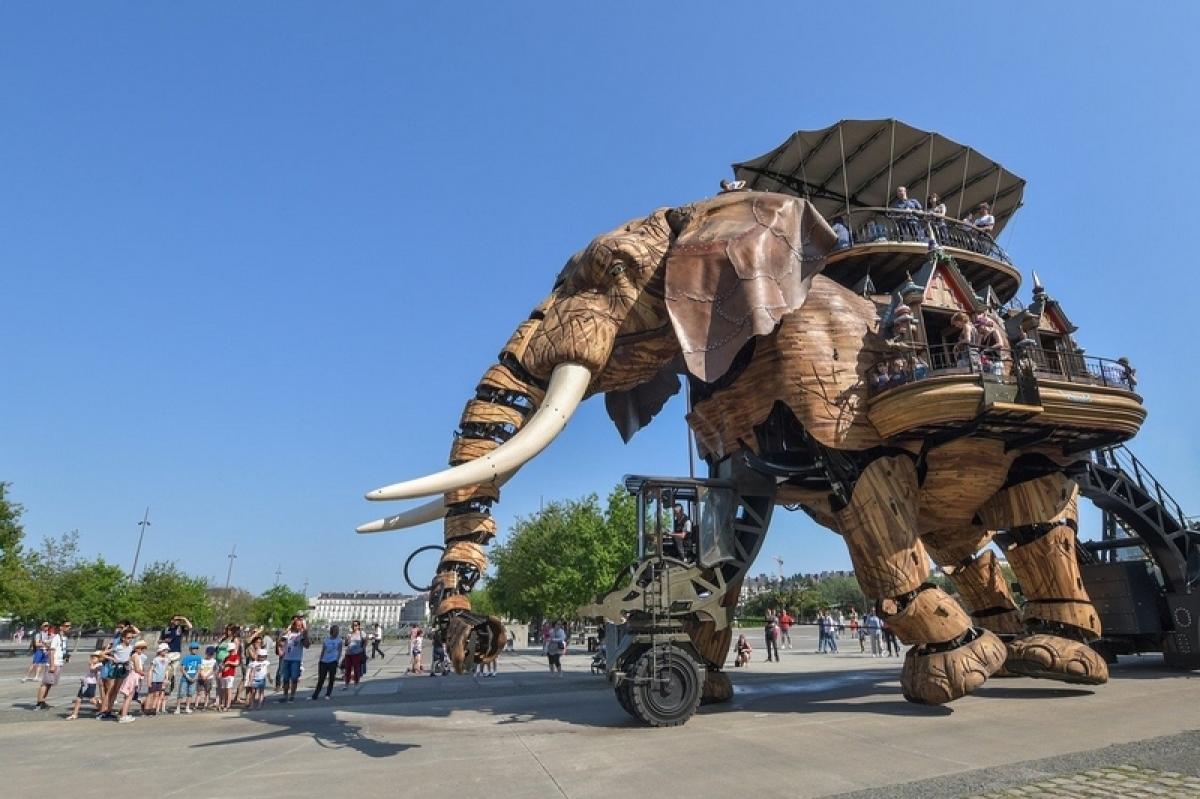 Investir à Nantes - L'éléphant géant mécanique à Nantes