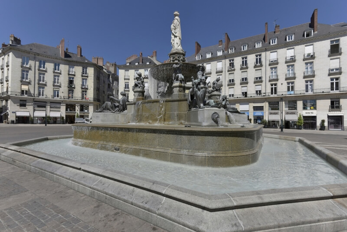 Les agences immobilières à Nantes - Place Royal dans le centre de Nantes
