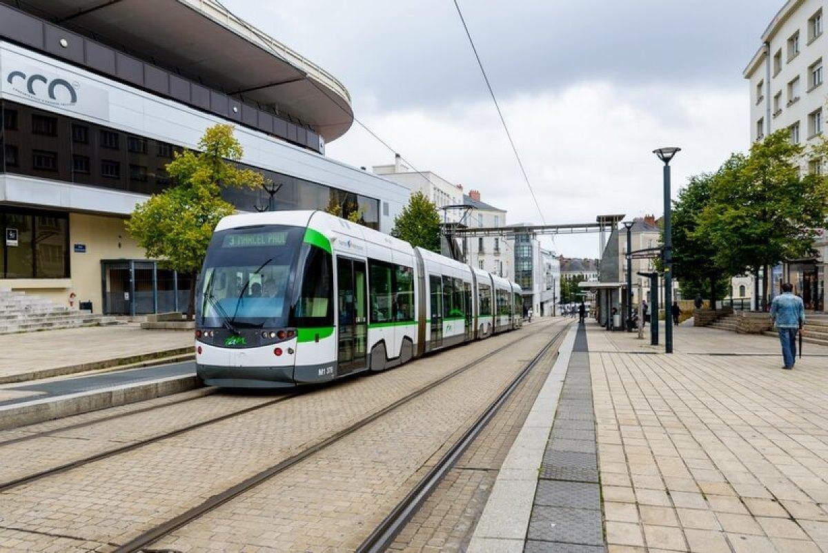 transports tramway nantes municipales