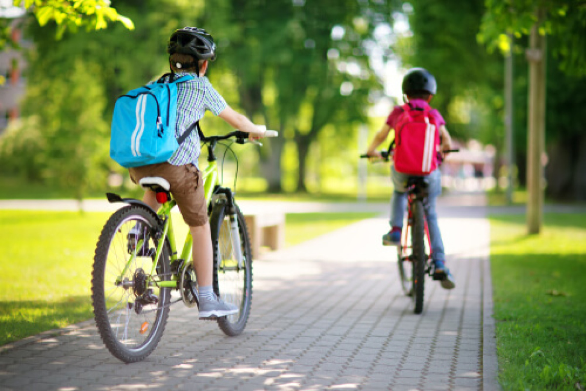 enfants à vélo