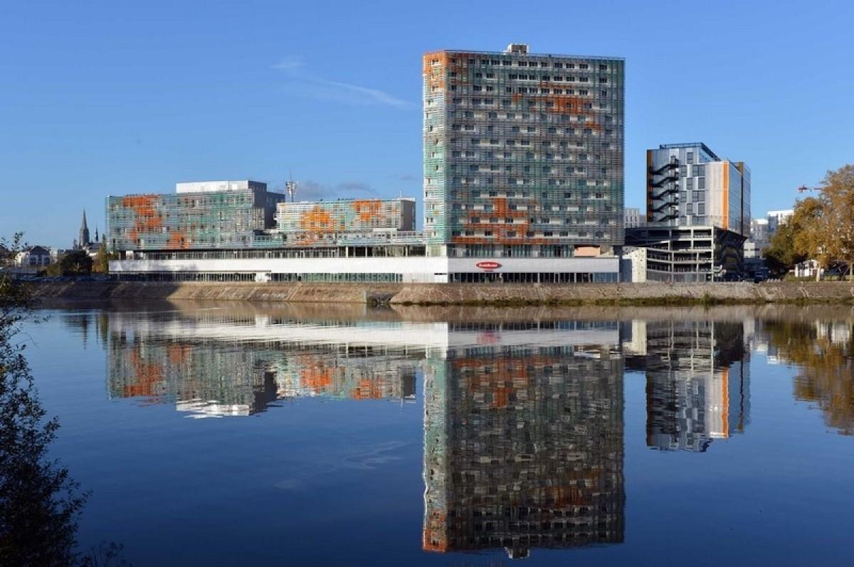 Le complexe MSH IEA et le nouveau stade Marcel Saupin
