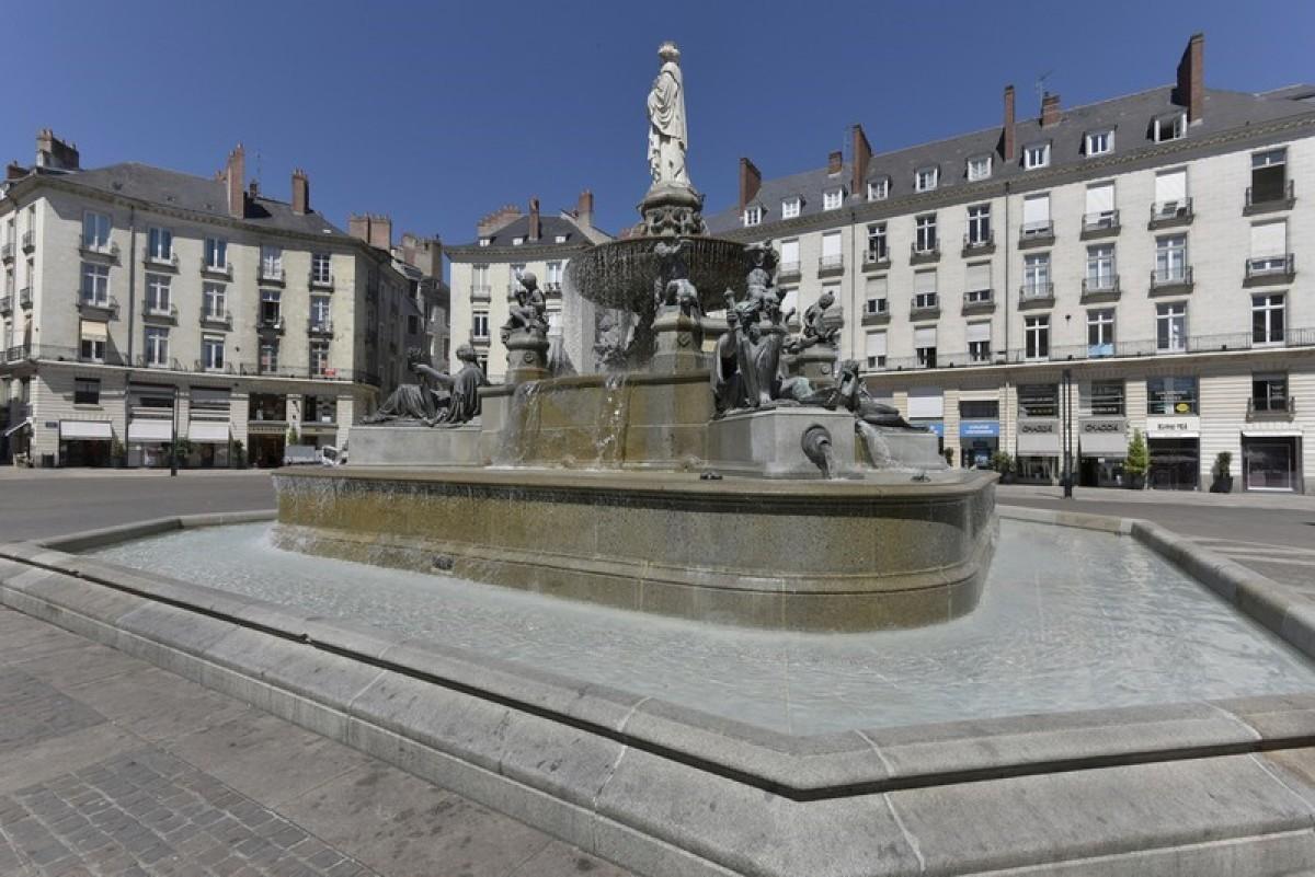 Nantes, la fontaine de la Place Royale