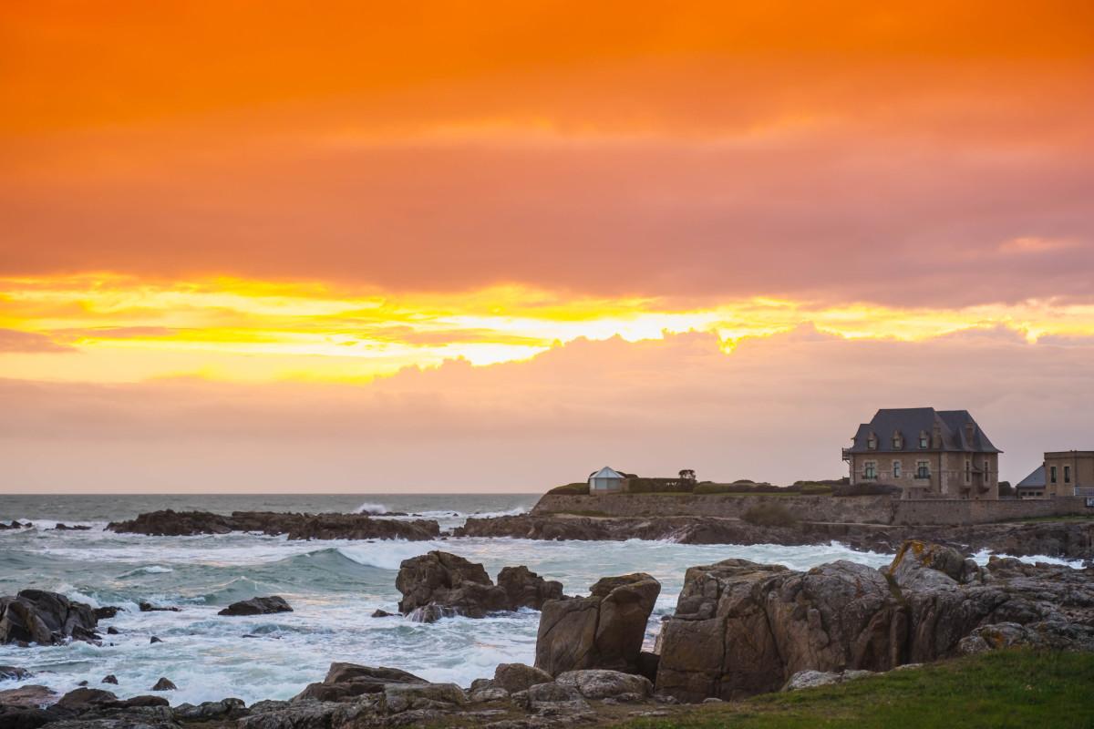 Location Pinel Nantes - Le croisic, bord de mer au soleil couchant