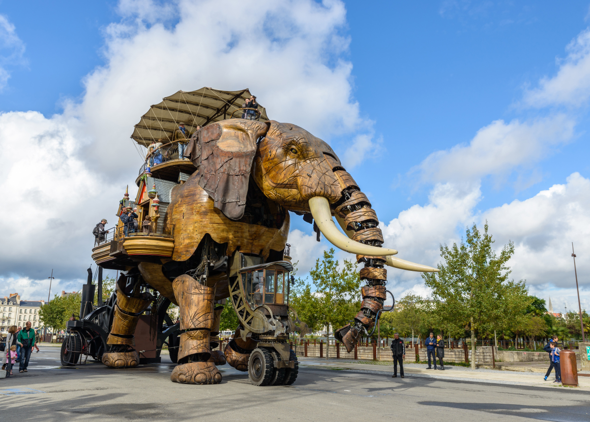 Politiques publiques à Nantes - Le grand éléphant à Nantes provenant des Machines