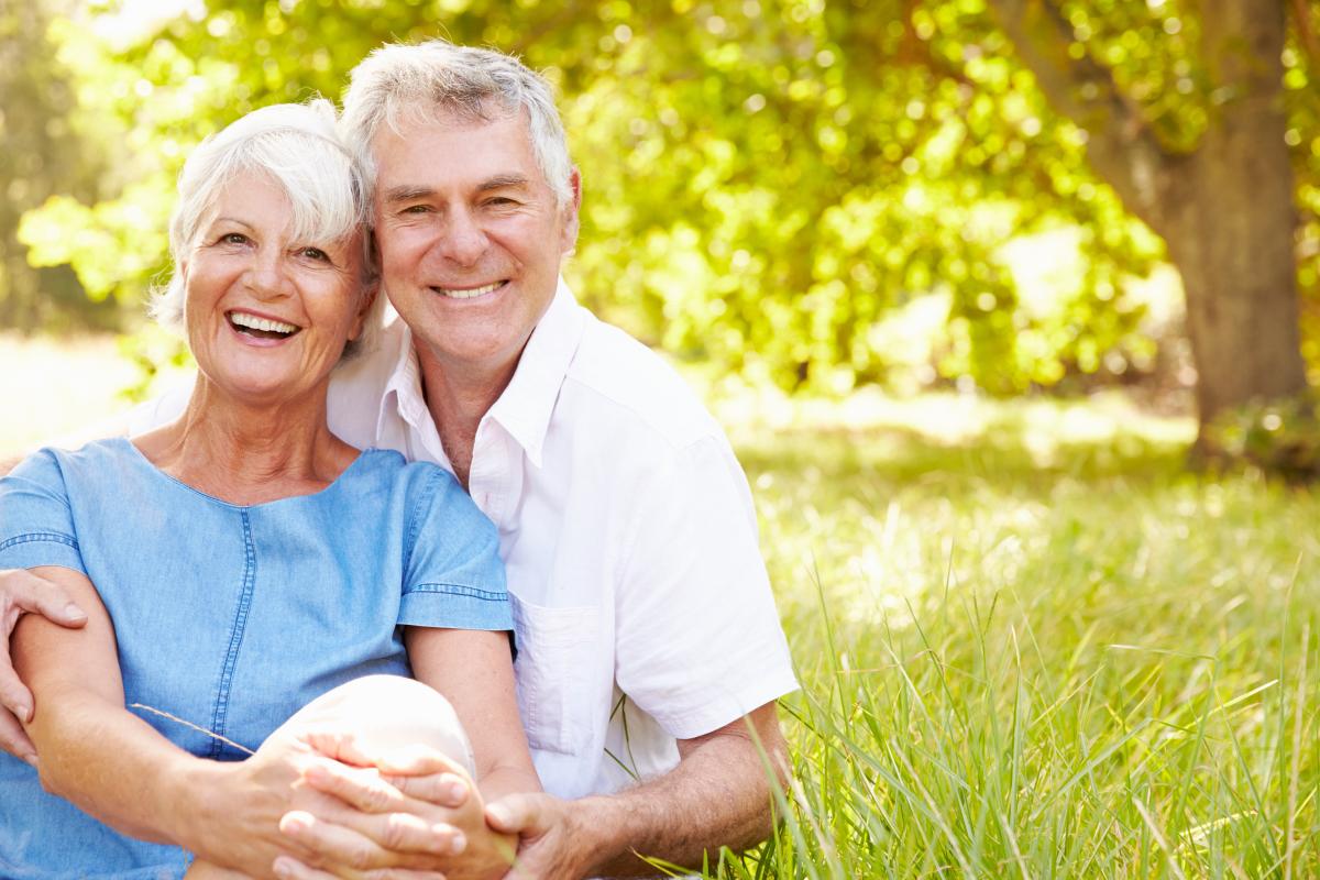 Développement durable à Nantes - Un couple de retraités souriant