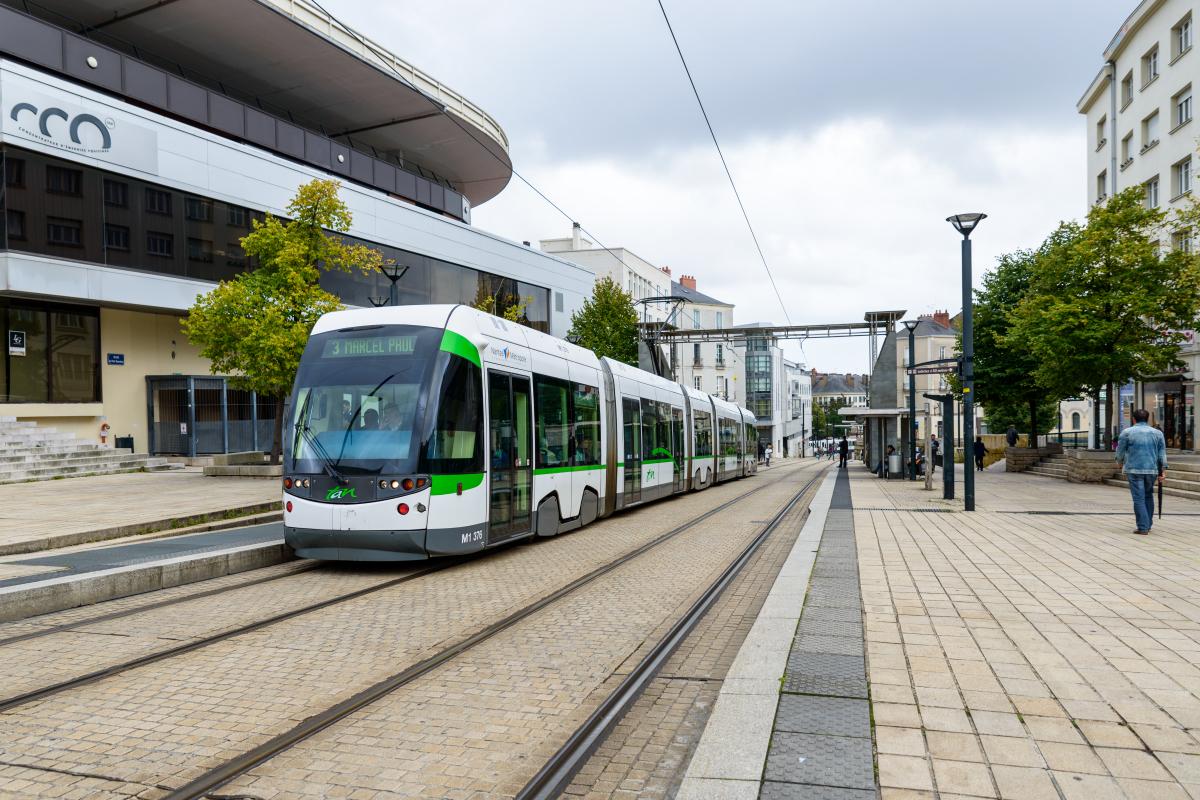 transports en commun à Nantes - Le tramway à la station Bretagne