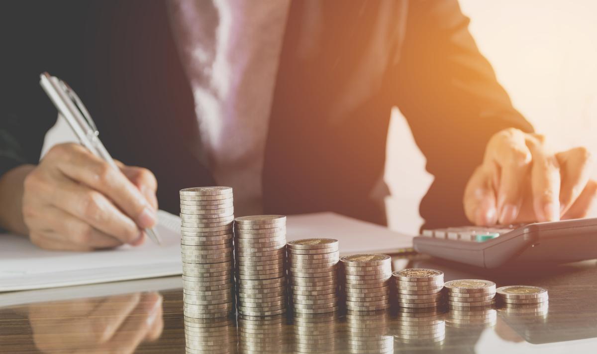 Nos partenaires – concept d'équilibre entre bien immobilier et argent