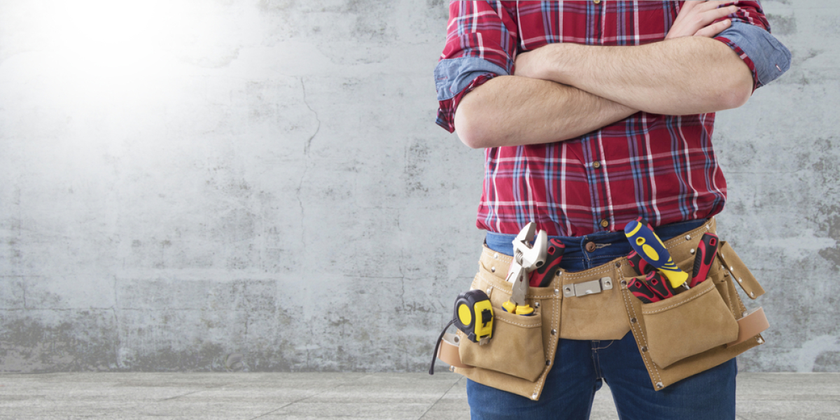maison neuve Nantes – photo de la ceinture à outils d'un bricoleur
