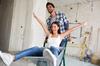 Loi Pinel ancien à Nantes – un couple heureux dans un logement en travaux