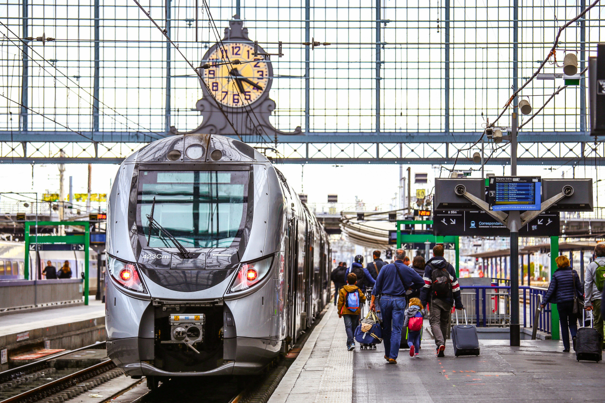 Ligne Nantes Bordeaux – Train à quai en gare de Bordeaux Saint Jean