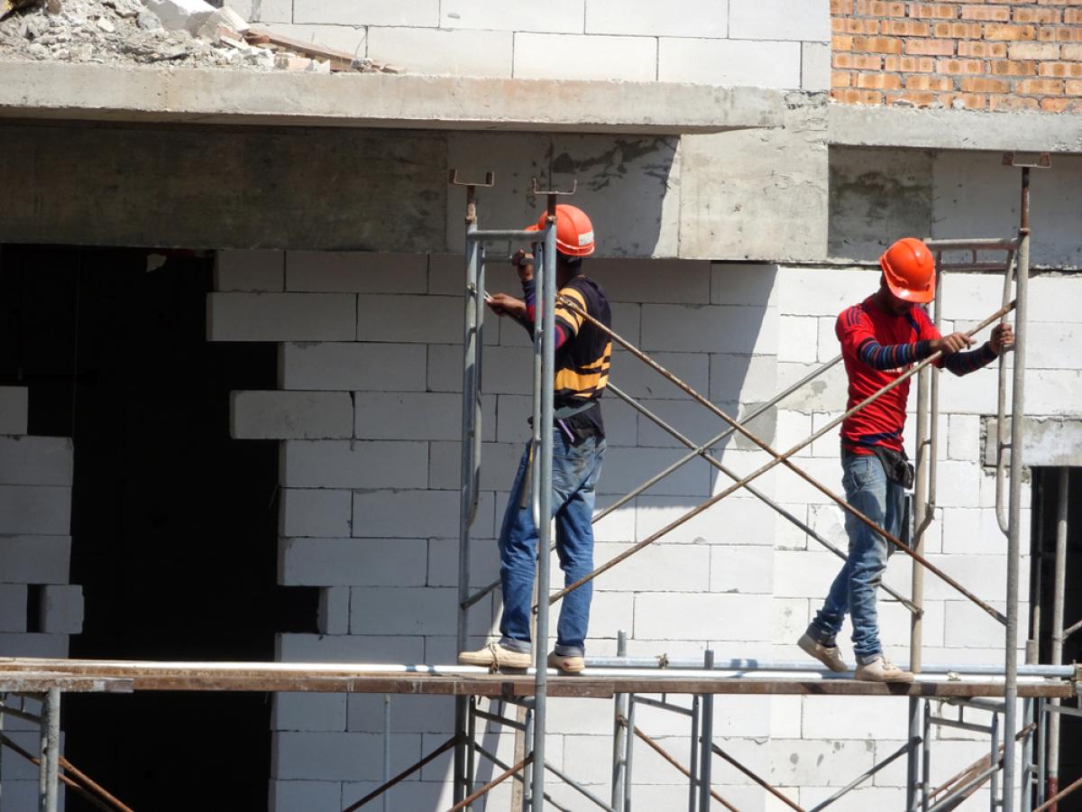 Loi 4D – Ouvriers sur un chantier de construction