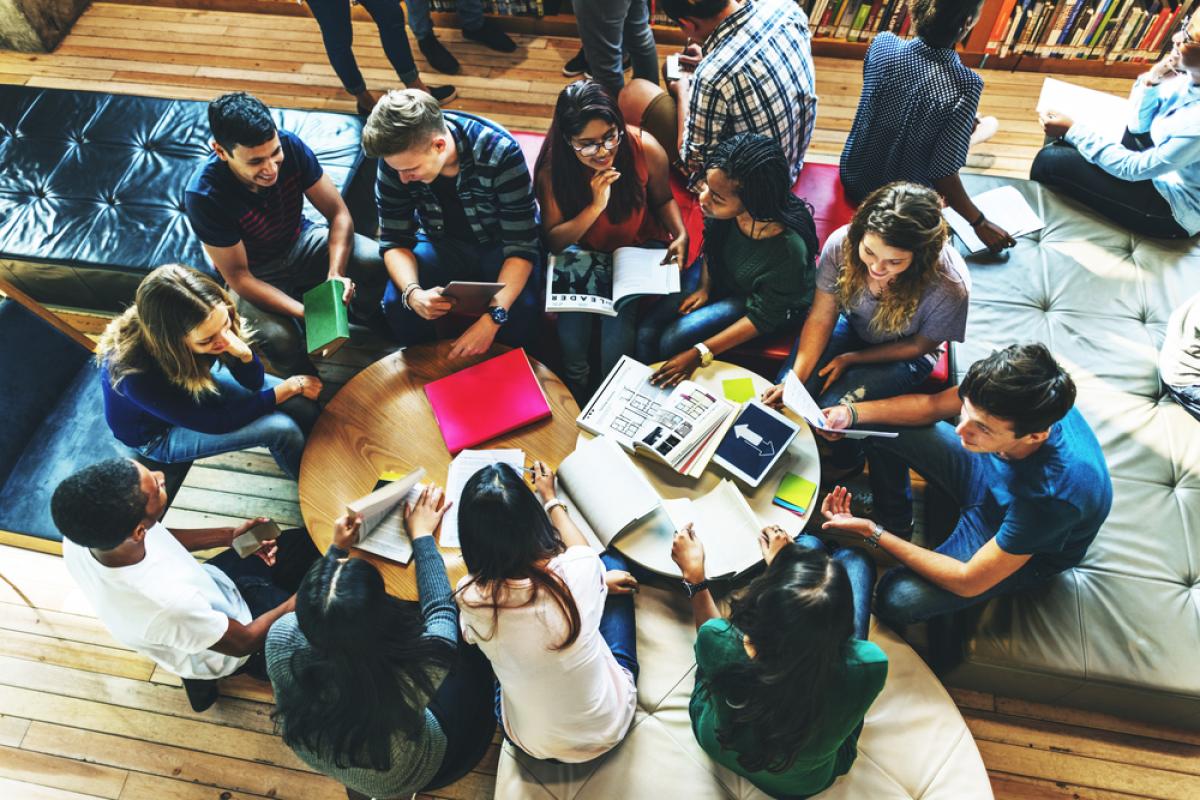 investissement locatif Nantes – étudiants dans un espace de co-working